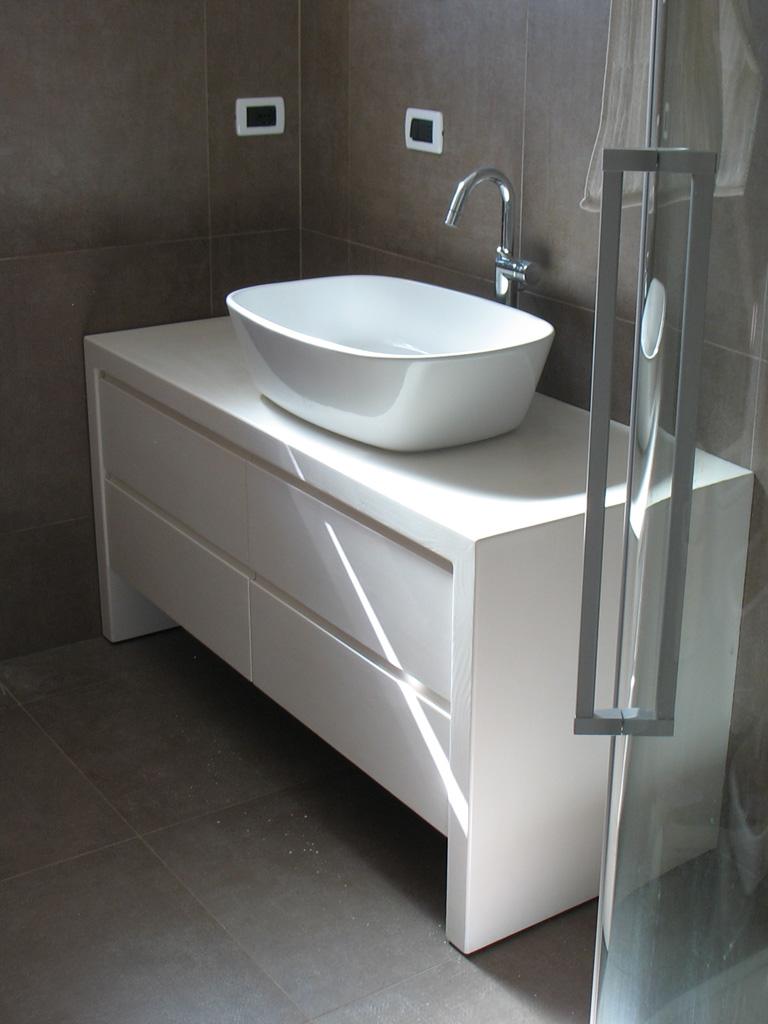 Mobili bagno in legno Trentino  Falegnameria Madera