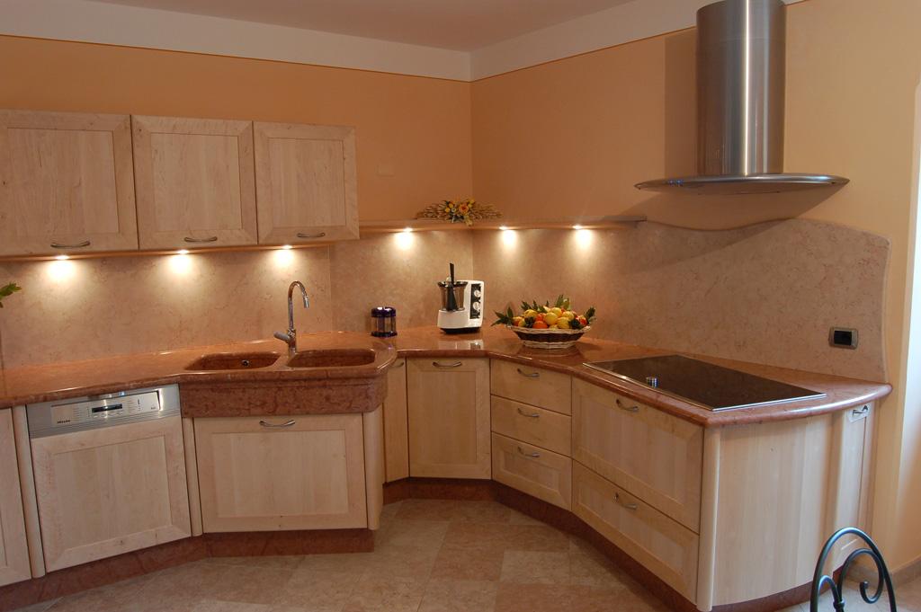 Cucina in betulla falegnameria madera - Ante cucina legno ...